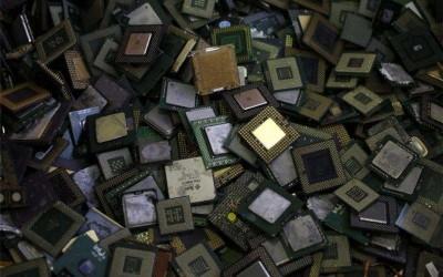 从旧电子废料中提取钯金方法(一)